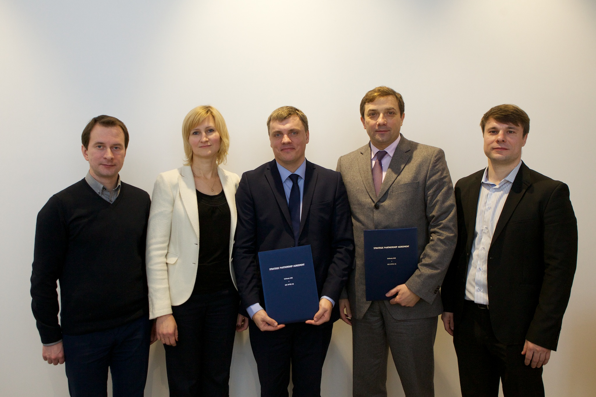 Softneta and Optec cooperation agreement signing