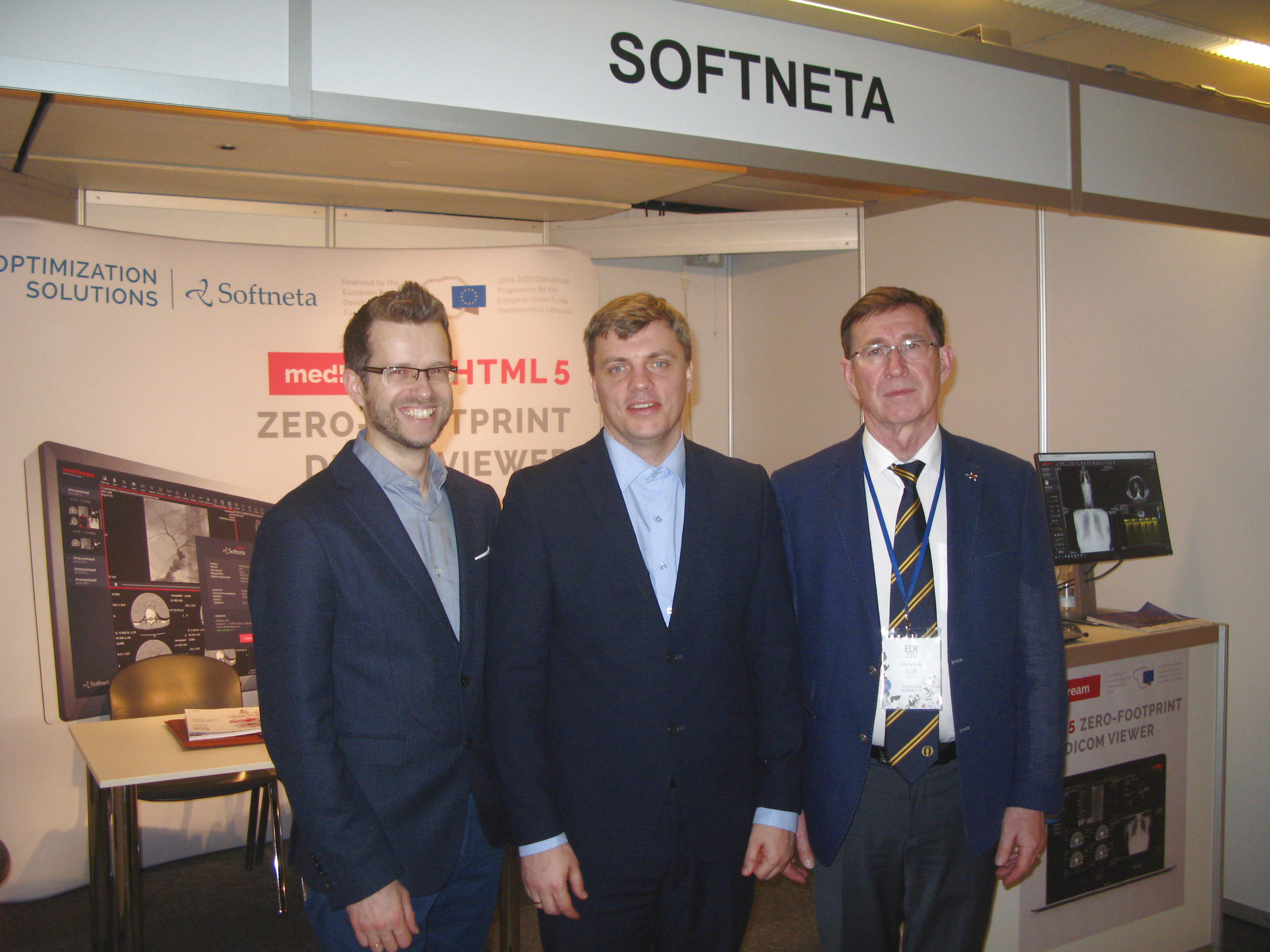 SOFTNETA dicom viewer in exhibition ECR